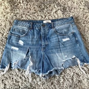 Forever 21 high rise mom fit jean shorts. Size 28